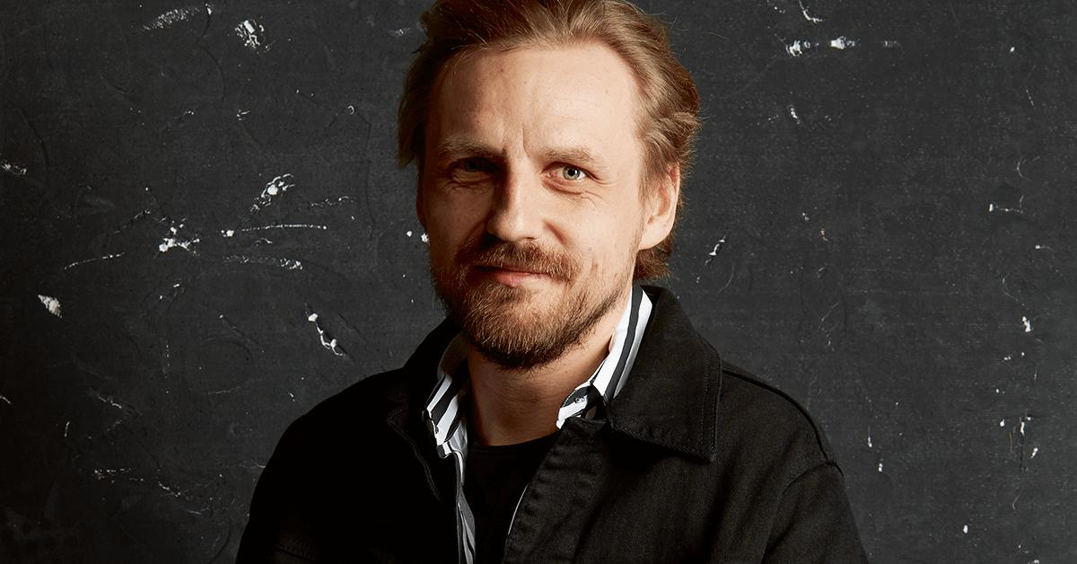 Paweł Domagała w magazynie LOGO